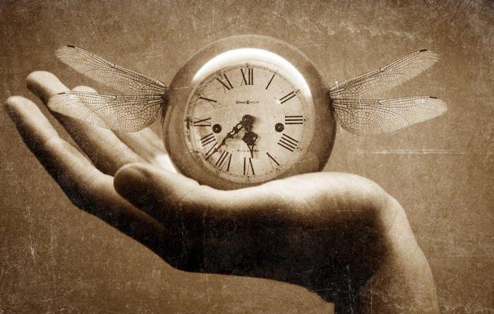 До каких пор мы будем путешественников во времени сажать в психушку? (4 фото + видео)