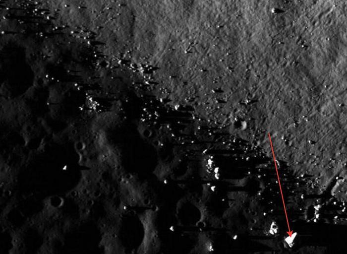 На лунном фото НАСА знаменитый уфолог отыскал пирамиду (4 фото)