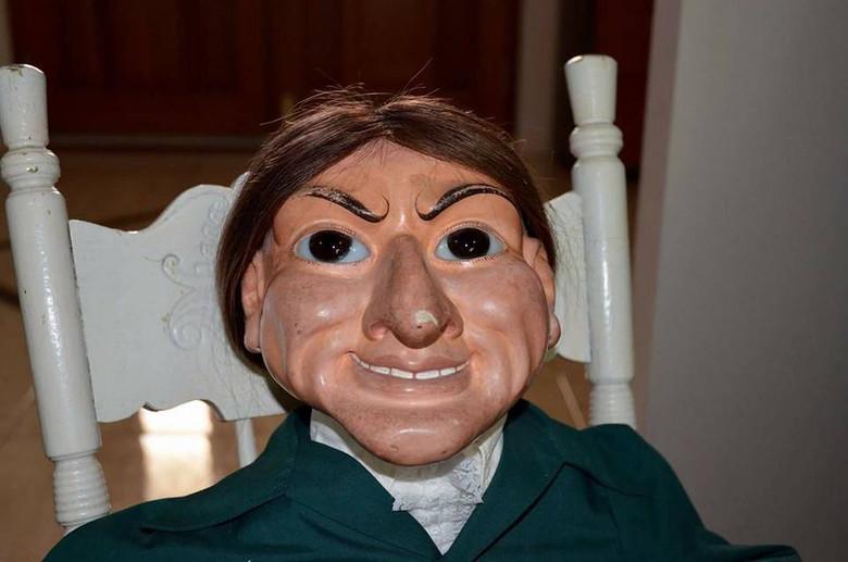 Мистическая кукла австралийца Керри Уолтона
