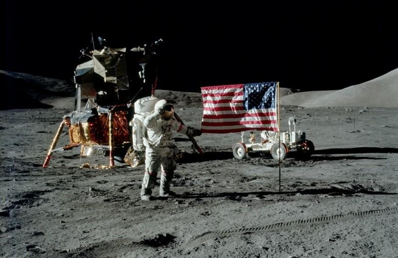 Российские ученые доказывают пребывание американцев на Луне
