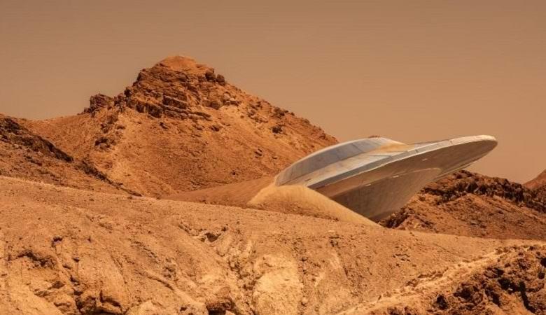 На марсианском снимке нашли «летающую тарелку» и след от ее падения