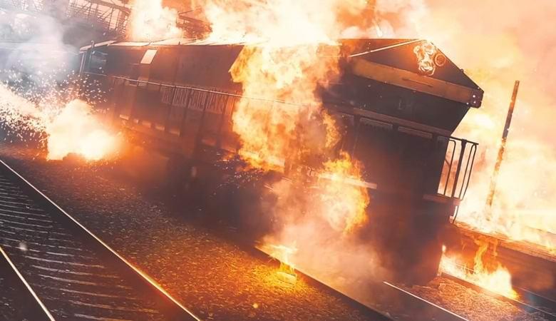 Российский поезд проехал через горящий лес