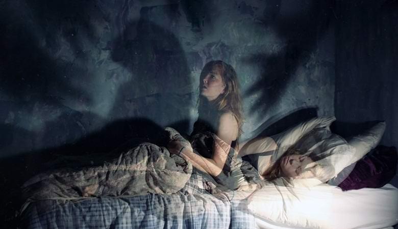 Почему никогда не стоит снимать спящего себя на видео