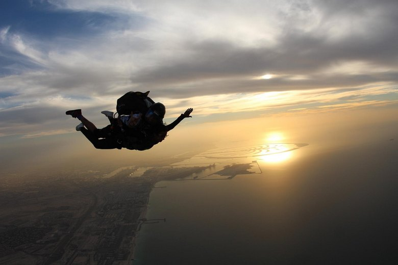Загадочный парашютист без парашюта