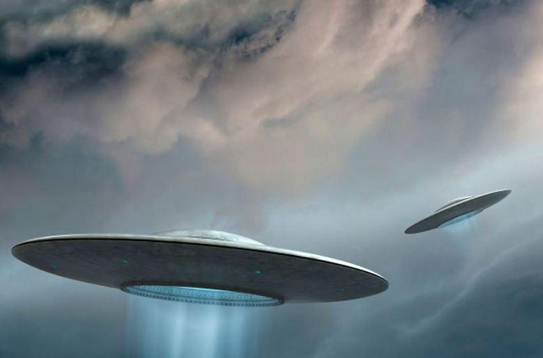 Слияние двух НЛО – редчайшее видео