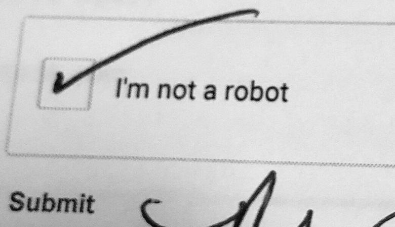 Американку попросили доказать при покупке машины, что она не робот