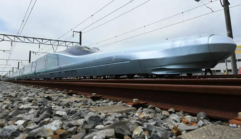 Японцы начали испытание сверхскоростного поезда