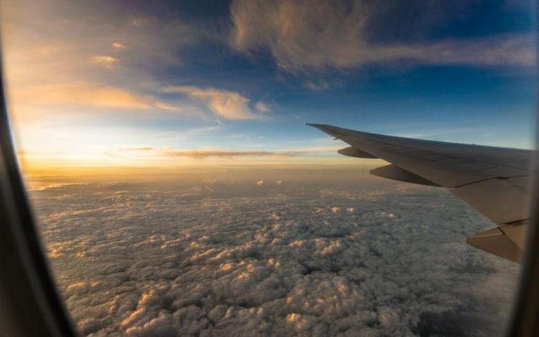 Пассажир авиалайнера снял НЛО над штатом Огайо