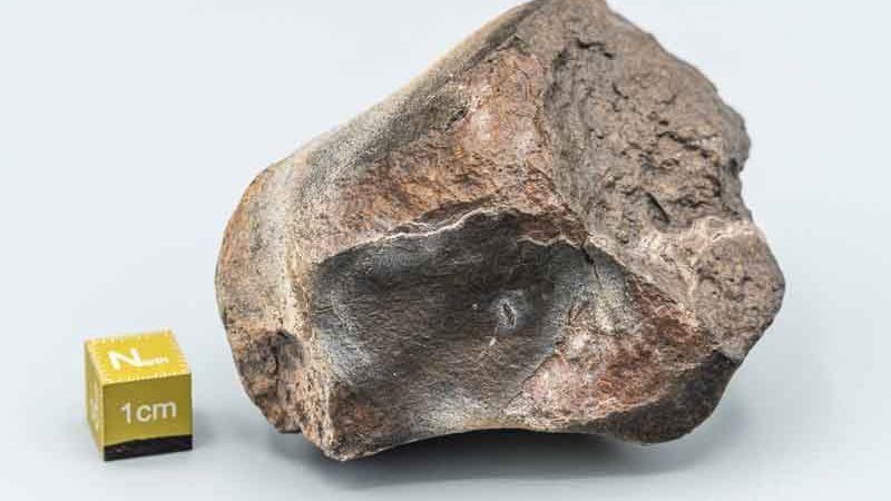 40 000 тонн метеоритов ежегодно падают на Землю