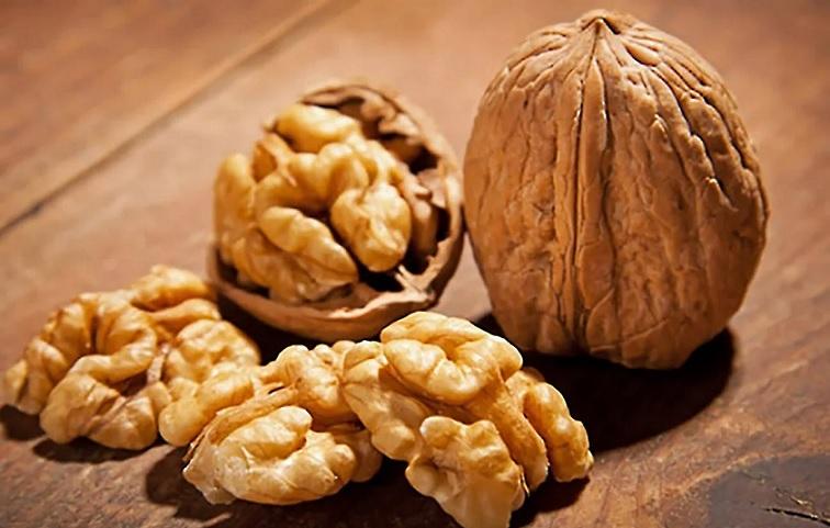 Эксперт рассказал о дополнительной пользе грецких орехов