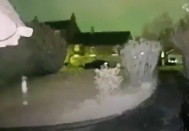 Семья уверена, что засняла «жуткий призрак» у своего дома