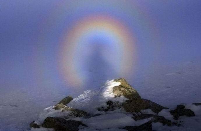 Брокенский призрак: оптическая иллюзия или удивительная мистика? (10 фото + видео)
