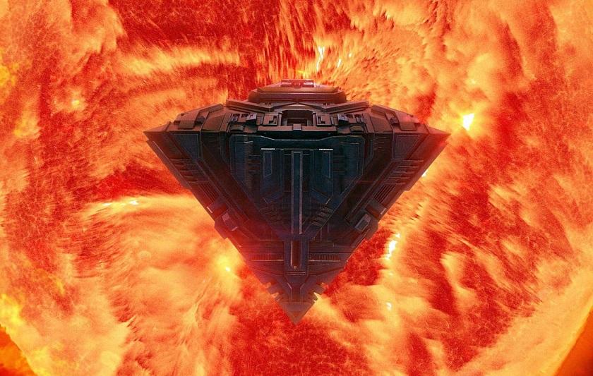 Прямо из Солнца вылетел корабль гигантских размеров