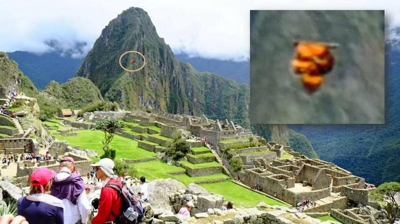 Светящийся диск сфотографирован в Перу возле древнего города инков Мачу-Пикчу