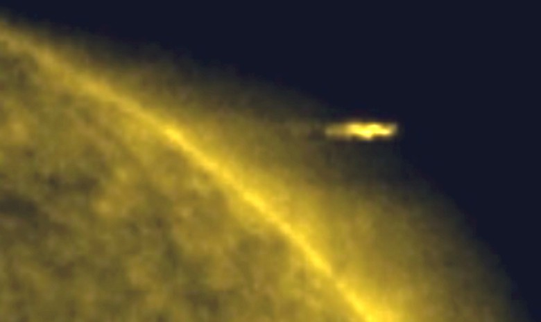 Возле Солнца продолжают летать НЛО, соизмеримые по своим габаритам с планетами