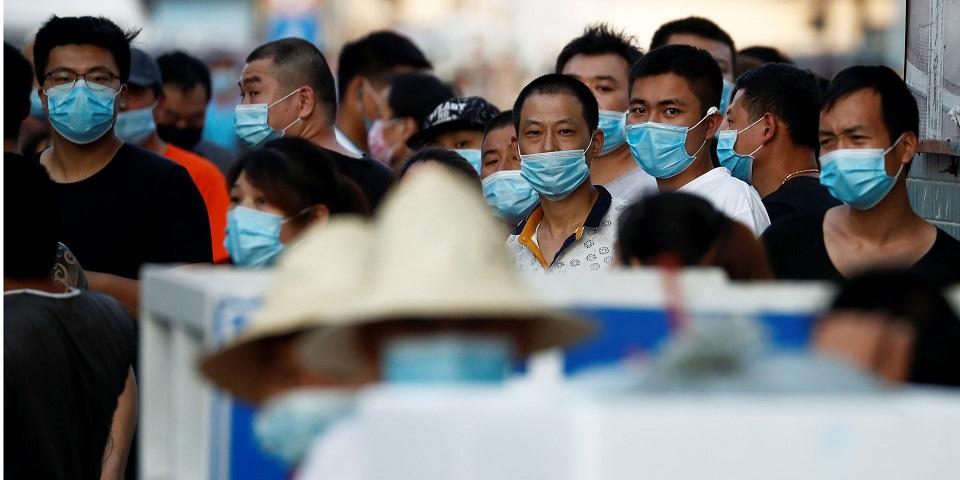 Медики выяснили, что вызвало вторую волну коронавируса в Пекине