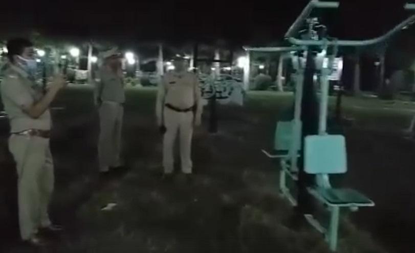 В Индии на спортивной площадке запечатлели привидение (ВИДЕО)