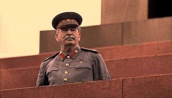 Путин: «Сталин не опозорил себя встречей с Гитлером»