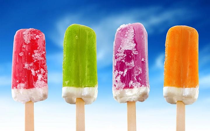 Врач-диетолог рассказала о пользе мороженого для горла