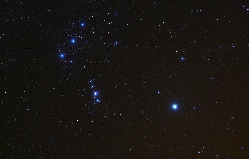 Почему звезда в созвездии Ориона потеряла свою яркость
