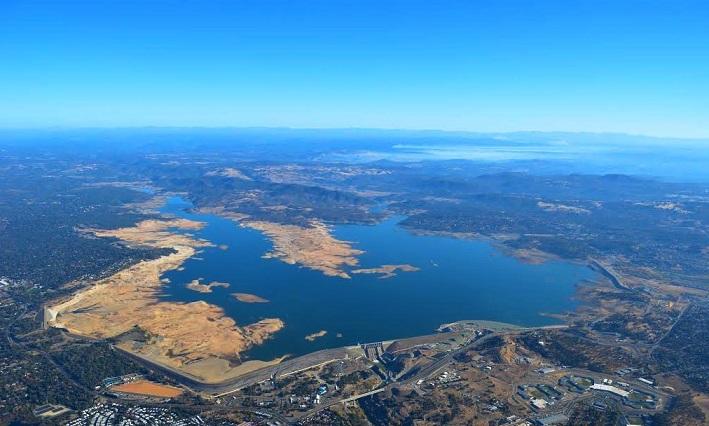 Загадочно исчезнувший самолет случайно обнаружили на дне озера