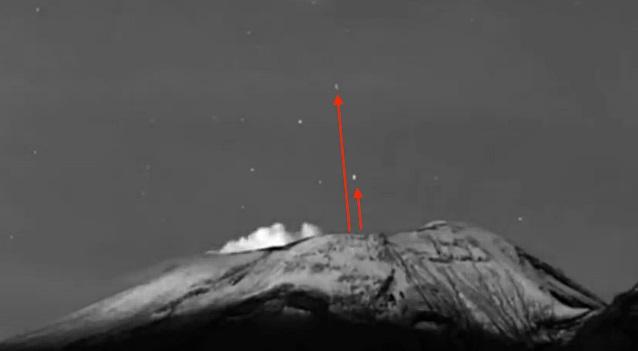 В Мексике два НЛО вылетели из жерла действующего вулкана Попокатепетль