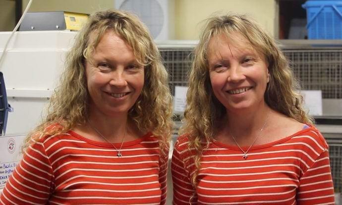 Удивительные австралийские близняшки говорят в унисон (+видео)