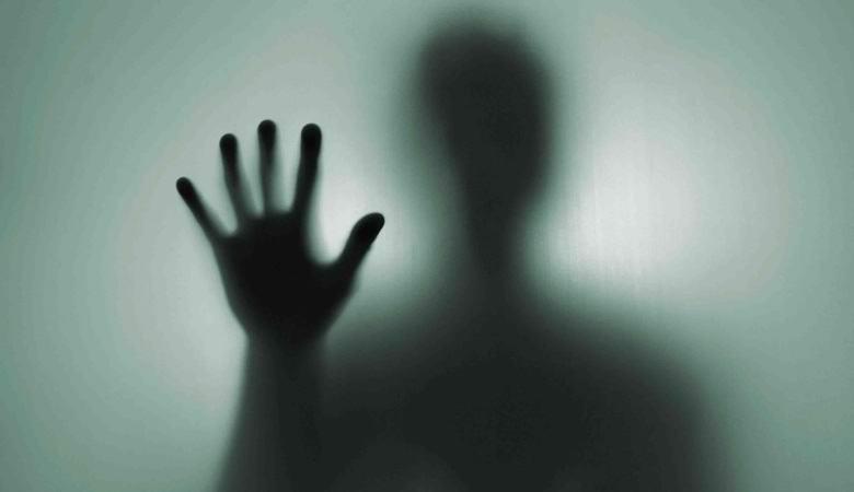 Камера зафиксировала призрак возле станции скорой помощи в Орске