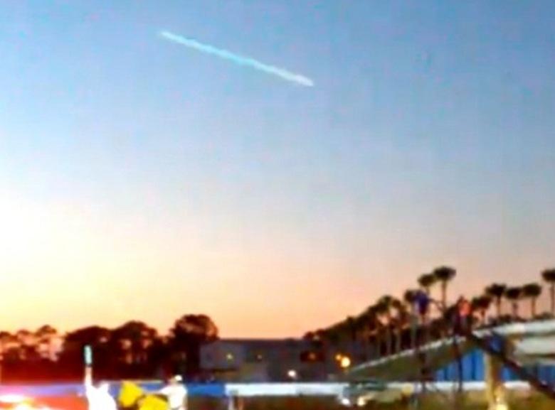 НЛО пролетел на огромной скорости над городом Хальмстад в Швецией