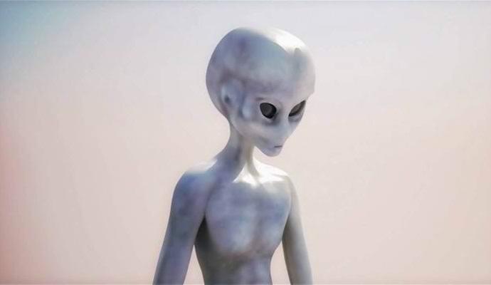 На старом фото обнаружили инопланетянина