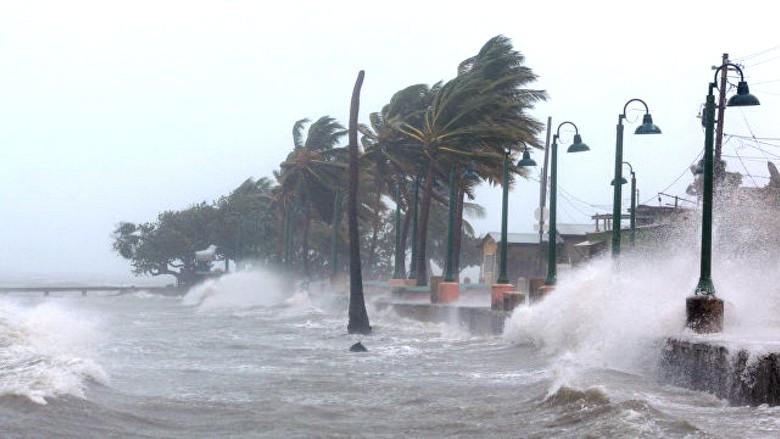 Самыми мощными ураганами управляют из Антарктиды