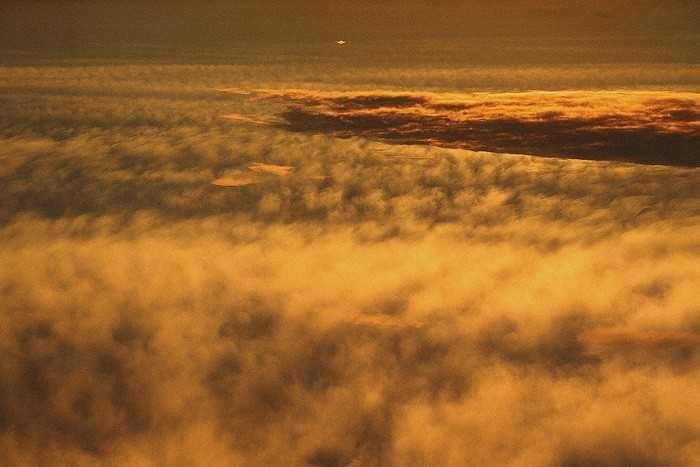 На Венере обнаружили необычную гигантскую «стену» из облаков