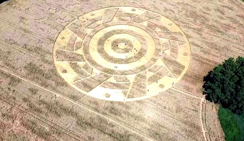 Очередной загадочный круг появился на поле в Германии