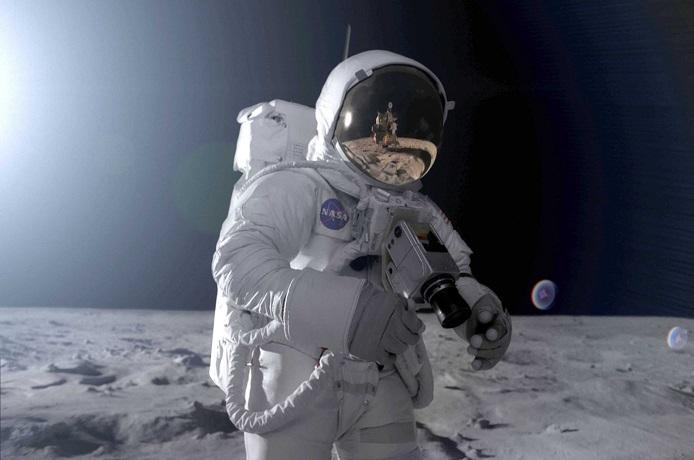 Полет на Луну откладывается из-за отсутствия у NASA скафандров