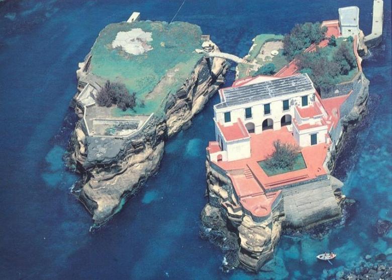Итальянский мистический остров Гайола