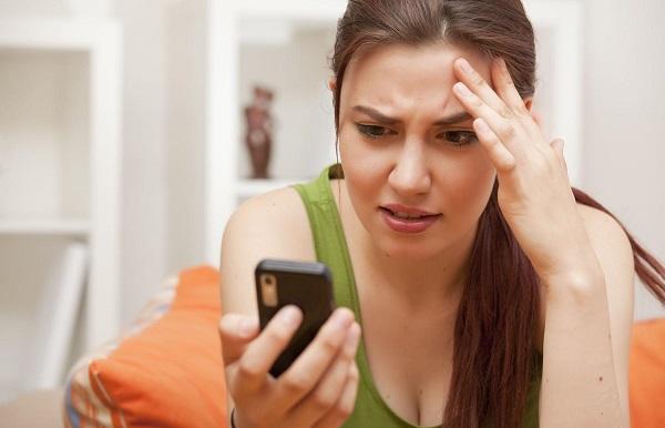 Женщины страдают от использования смартфона больше, чем мужчины