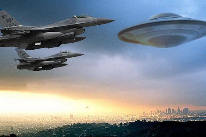 Пентагон признал подлинность видео с погоней американских самолетов за НЛО