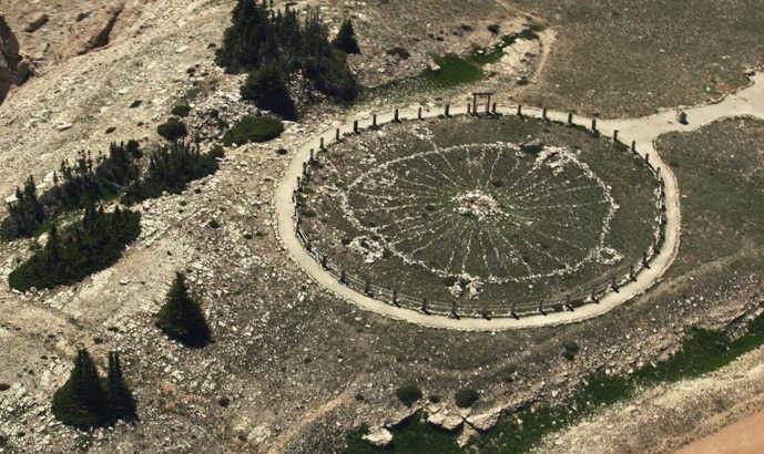 Загадочный индейский каменный круг Бигхорн
