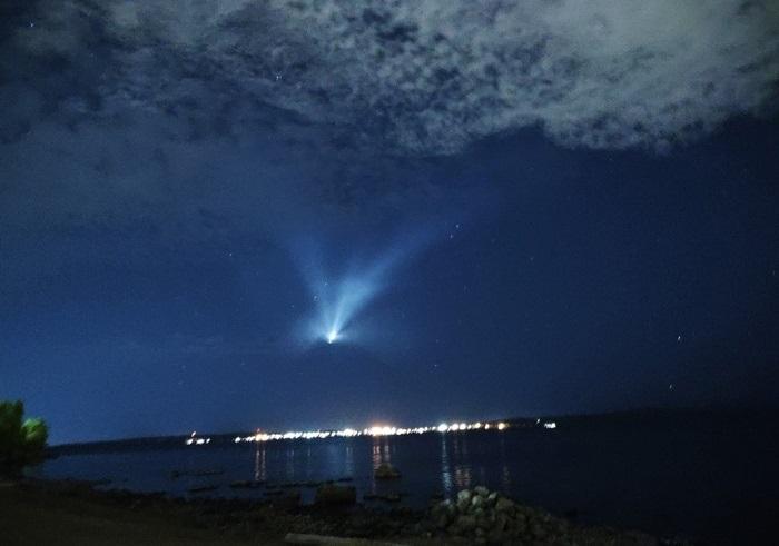 Жители Петрозаводска наблюдали в небе НЛО