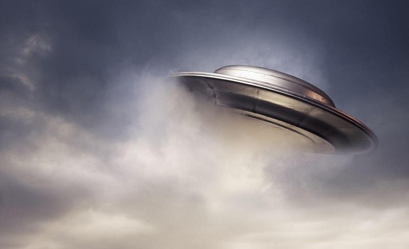 По всему миру НЛО распыляют неизвестную форму жизни в виде осадков