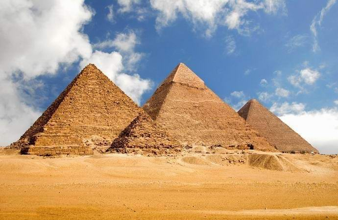 Среди Великих пирамид Гизы была уникальная четвертая