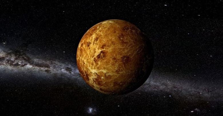 Куда исчез спутник Венеры?