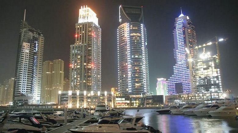 Гости Дубая заметили в ночном небе НЛО