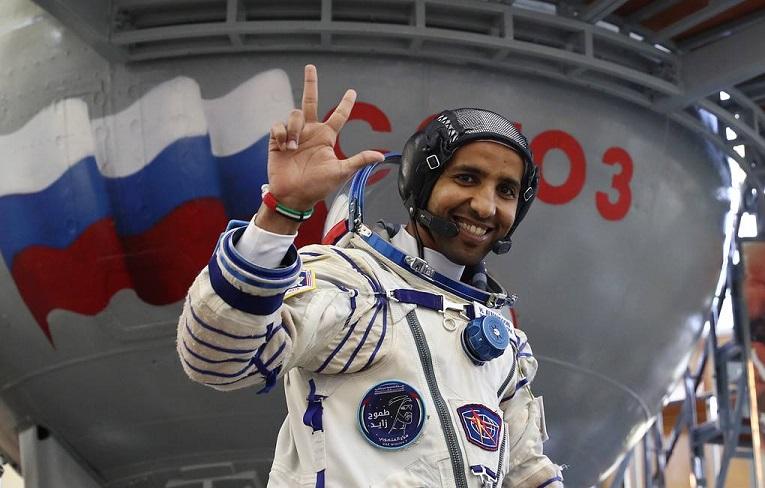 У арабского космонавта на МКС неожиданно увеличилась голова