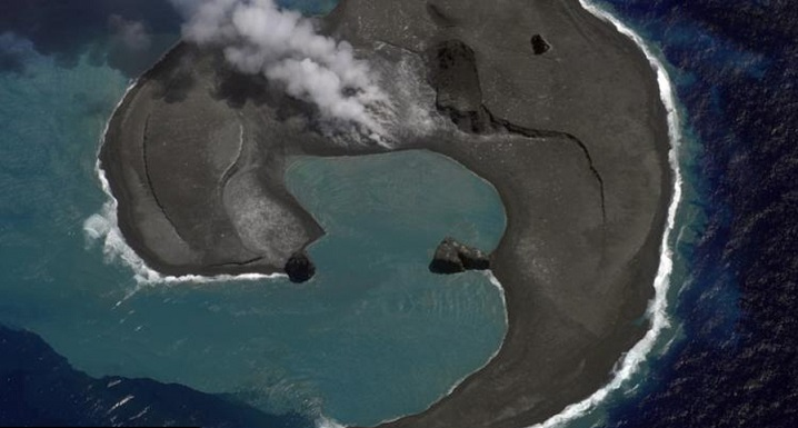 Раскрыта тайна внезапного появления гигантских куполов на поверхности моря