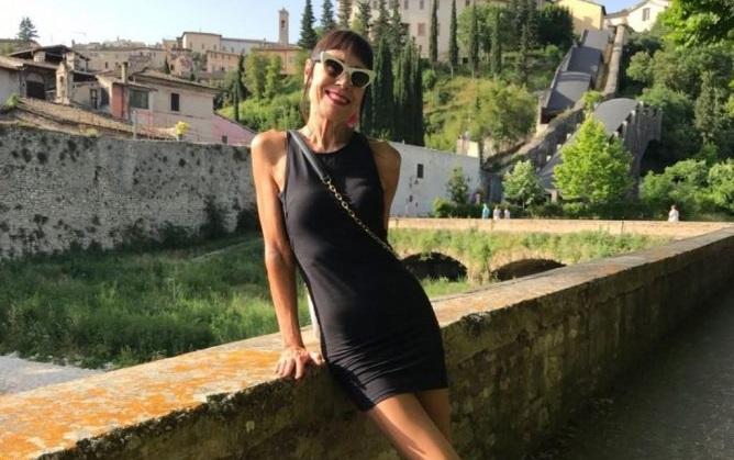 Выглядит как подросток: стройная 70-летняя итальянка поделилась секретом