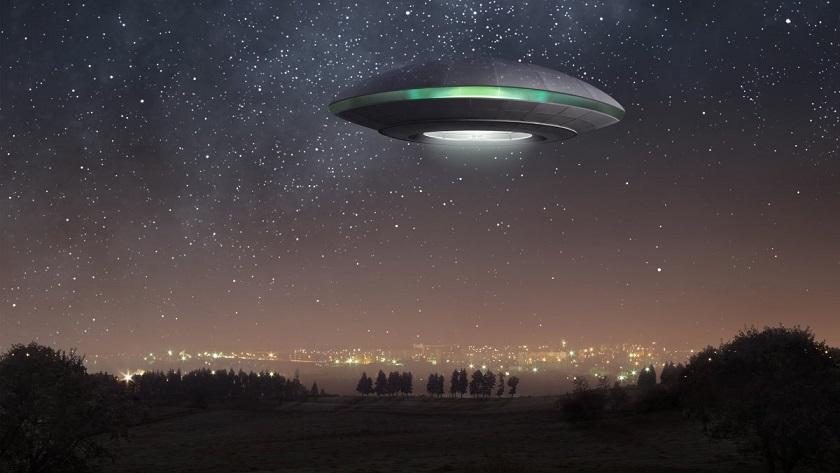 В Сеть попали кадры «воздушного боя» нескольких НЛО в небе над японским вулканом