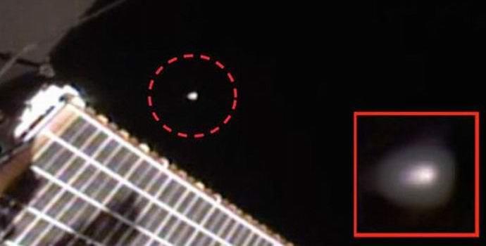 Камера МКС приблизила НЛО и сразу прервала трансляцию