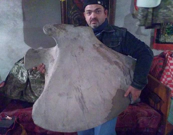 В Украине на помойке нашли кость мамонта (2 фото)