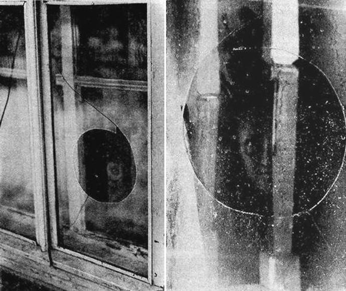 Удивительные фото с разбившей окно нечистой силой